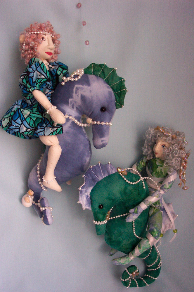 "10"" seahorse riders are easy to make and embellish. Sewing Pattern"