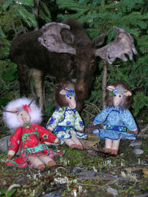 Merry Kuspuk Moose - Cloth Doll Making Sewing Pattern - Soft Animal Dolls