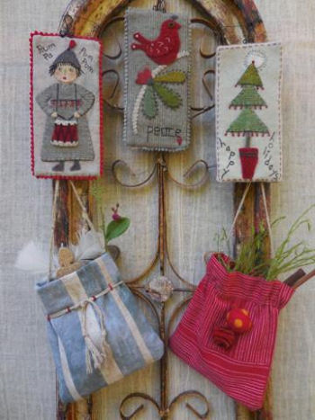 Christmas Tags And Bags Pattern