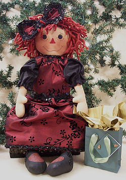 "What a beautiful holiday outfit this 23"" raggedy is wearing!"